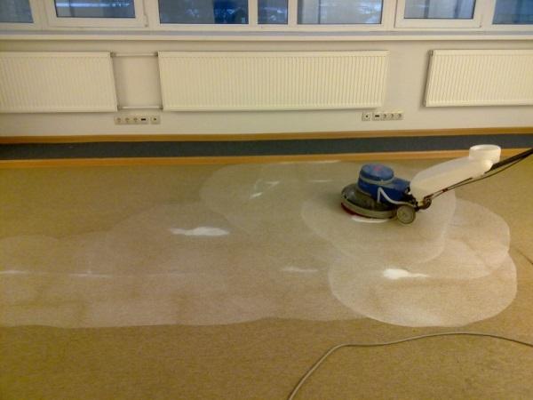 Химчистка ковролина в офисе в Санкт-Петербурге